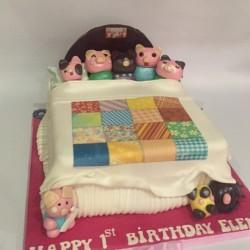 Ten little Piggies in the bed